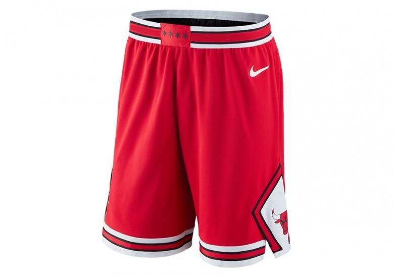 NIKE NBA CHICAGO BULLS SHORT ROAD UNIVERSITY RED