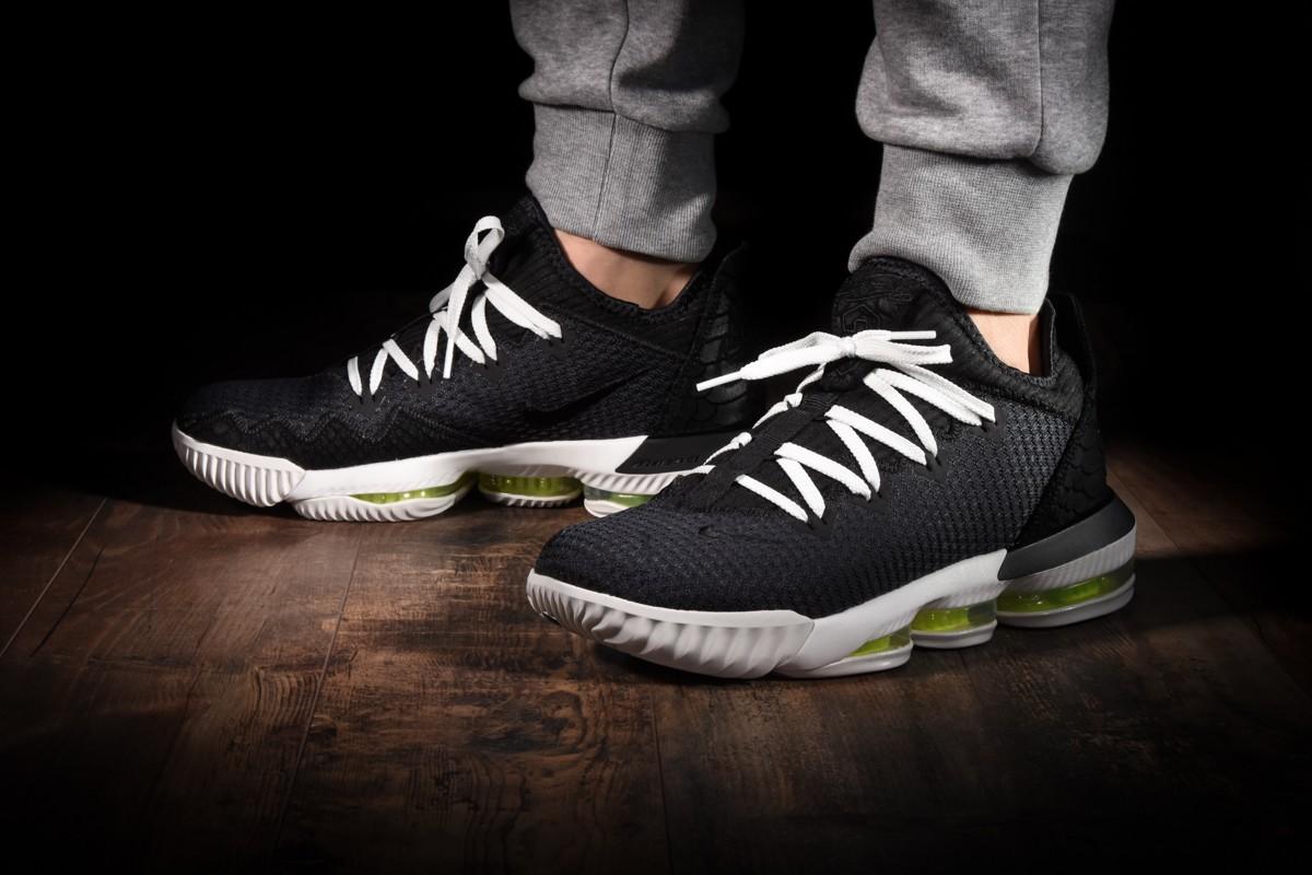 Nike Lebron 16 Low 'Triple Black